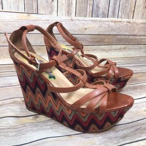 GC Shoes brown platform wedge shoes size 8